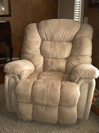 Lane Plush oversized Rocker/recliner