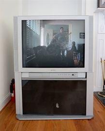 Toshiba Flatscreen TV & TV Stand (Model # 36AF41)
