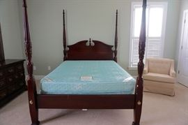 4-Poster Queen Sized Bed, Sleep Worthy Siesta Queen Sized Mattress & Boxsprings