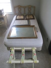 KINDEL BED TWIN SIZE PICTURES AND MIRROR