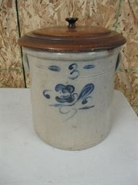 WM BOWLEY 3 GALLON CROCK MIDDLEBURY OHIO