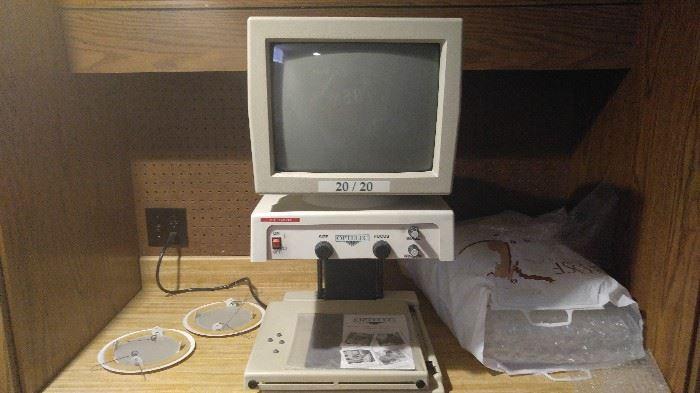macular degeneration machine