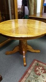 """LOVELY SOLID """"OAK"""" GAMING TABLE, HALLWAY TABLE OR DINING TABLE!!!"""