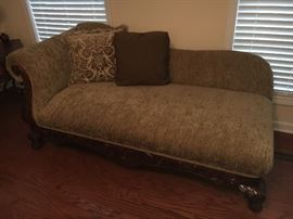 Broyhill chaise lounge, excellent condition.