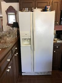 Whirlpool Refrigerator - Ice/Water Dispenser on outside.
