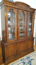 Drexel China Cabinet in EXCELLENT Condition!