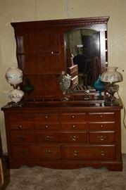 Nice Broyhill Lenoir House Dresser