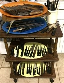 Kitchen knives and lots of pocket and hunting knives in the second building (the shop)