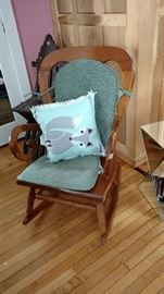 Wood rocking chair (parts or Repair)