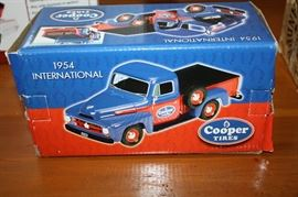 TOY CAR COLLECTIBLES