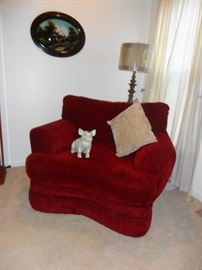 Large chair - soooo comfortable!