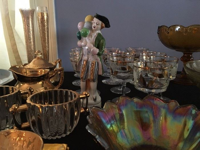 Carnival Glass, Figurines