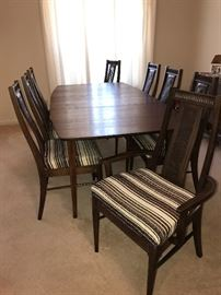 Fantastic Mid Century Modern Dining Room Table & Chairs