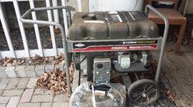 Briggs and Stratton Storm Responder 5500 Watt 8250 Portable Generato