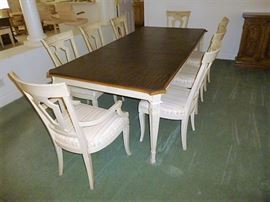 "Bretano Heritage Dining Set w/ Leaves & Pads - VERY CLEAN CONDITION. Measures approx. 43"" wide, 29"" high, and 91"" in length + a 23"" leaf when needed."