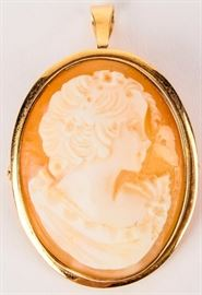 Lot 380 - Jewelry 14kt Yellow Gold Cameo Pendant / Brooch