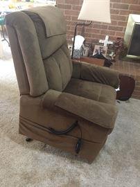 Tranquil Lift Chair/ massager / heat