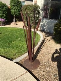 Outdoor wrought iron yard plant (3.5' ft)