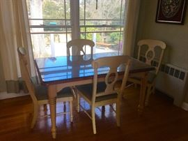 Country kitchen table & chairs