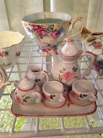 Precious miniature tea set
