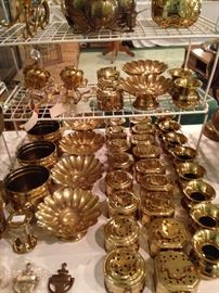 Many brass bowls and boxes