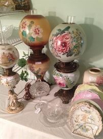 """""""Gone With the Wind"""" lamps and hand painted plates"""