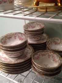 Small Haviland berry/fruit bowls and plates