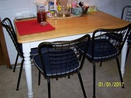 Table and 4 vintage Chairs