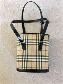 Burberry feed bag