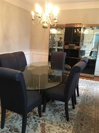 Beautiful Oval Glass Top Table w/6 Chairs