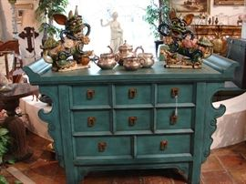 Aqua chest, Asian style influence