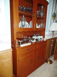 Wonderful antique Pine hutch