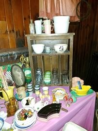 Vintage glassware, small dishes and mixing bowls