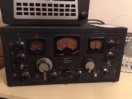 "Word War II ""the hallicrafters inc."" model SX-28 Super Skyrider vintage communications receiver radio"