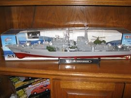 Large HT-2879 ship with original box