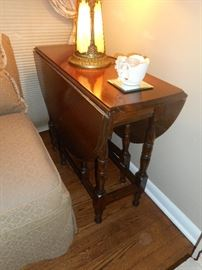 narrow drop leaf table with drawer