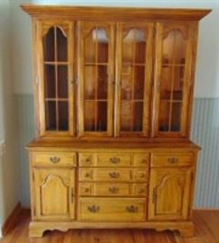 American Drew Colonial Style Hutch