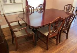 Duncan Phyfe dining table w/ 6 chairs