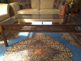 Coffee table with key design
