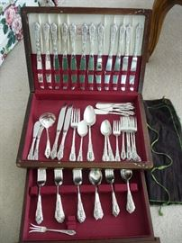 flatware set with box