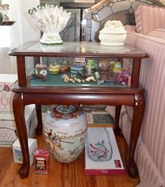 Showcase table; miniatures