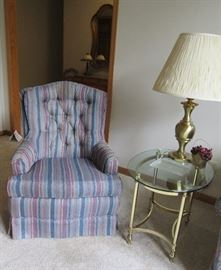 STRIPED CHAIR / BRASS & GLASS END TABLE / BRASS LAMP