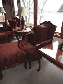OVERSIZE ORNATE SIDE CHAIR WITH OTTOMAN /CARVED LEGS & PILLOW ROUND SIDE TABLE / REC SIDE TABLE / LAMPS