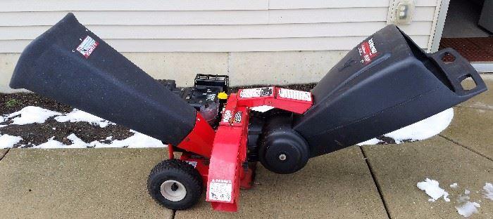 Yard Machines by MTD 3-Way System 8HP Chipper/Shredder