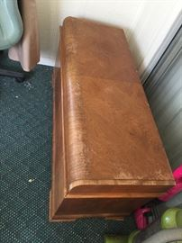 Lane waterfront hope chest