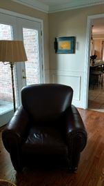 Great Brown Leather Sitting Chair
