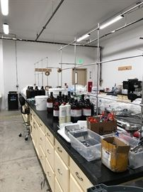 Entire Lab!!! Includes all contents and 20' long cabinets!