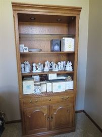 Super Nice Lighted Display Bookcase 1 of 2