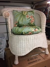 Vintage round wicker chair with cushions