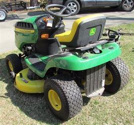 2016 John Deere D110 19hp Lawn Tractor